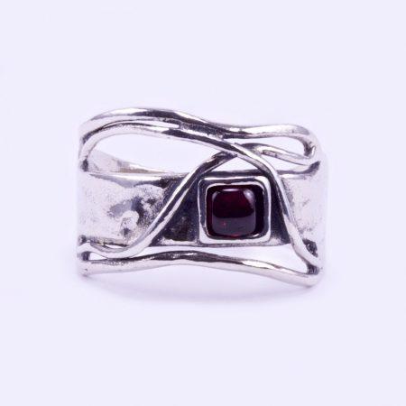 """Izraeli ezüst gránát köves gyűrű """"kis négyzet"""""""