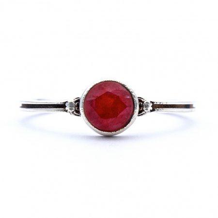 "Ezüst rubin köves gyűrű ""sima"""