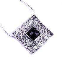 """Izraeli ezüst csiszolt ónix köves medál lánccal """"négyzet"""""""