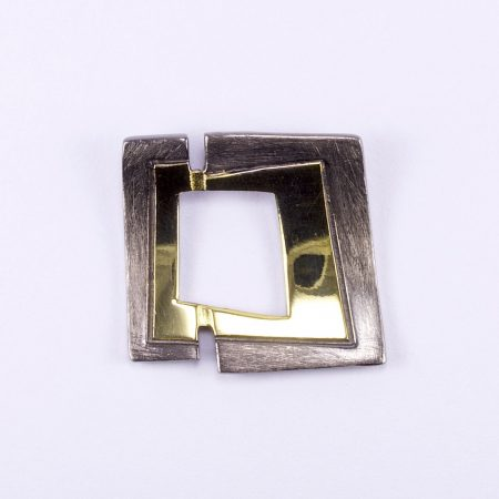 Ezüst feketített-aranyozott medál