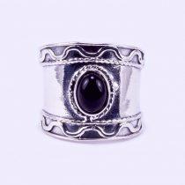 Ezüst gyűrű ónix kővel