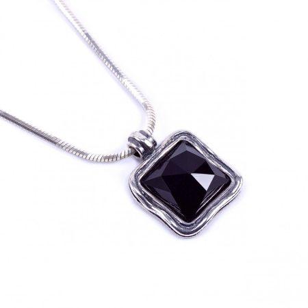"""Izraeli ezüst ónix köves medál lánccal """"kis.négyzet"""""""