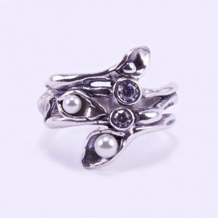 Ezüst gyűrű cirkónia és tekla gyöngyökkel
