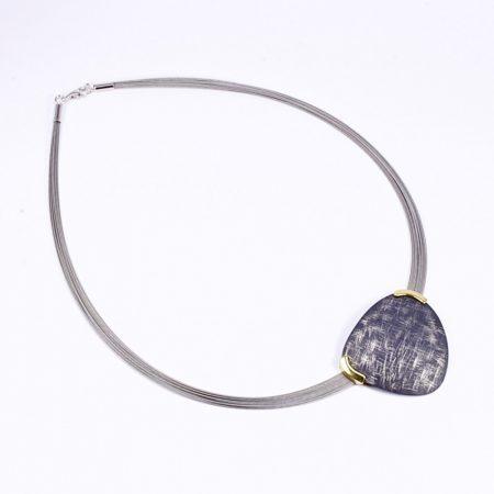 Egyedi ezüst feketített-aranyozott medál többsoros félmerev láncon