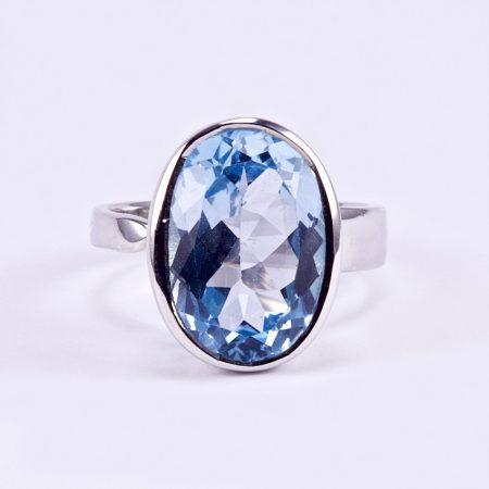 """Ezüst kék topáz köves gyűrű """"áll"""""""