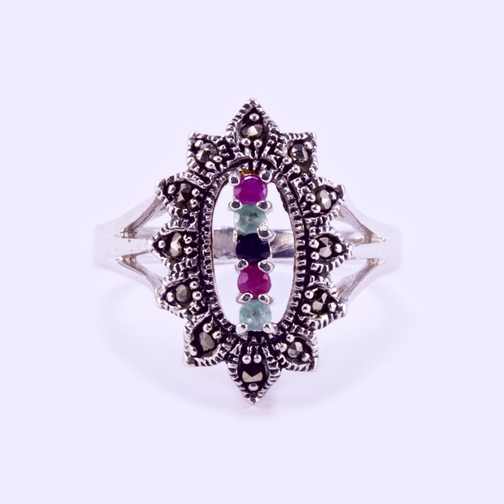 a4e55988e Ezüst gyűrű rubin, smaragd, zafír és markazit kövekkel