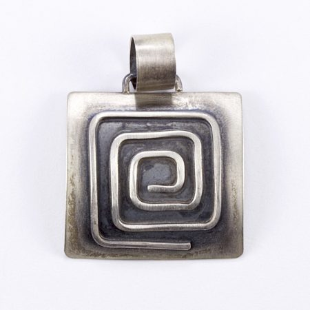 Egyedi ezüst görög mintás medál