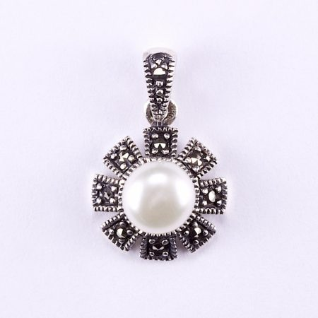 Ezüst gyöngy medál markazit kövekkel